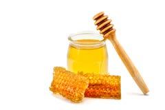 свежие мед и сот на белой предпосылке Стоковая Фотография RF