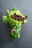 Свежие овощи в обруче лист банана Стоковые Фотографии RF
