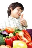 свежие овощи позитва малыша стоковые фотографии rf