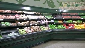Свежие овощи продавая на супермаркете Стоковые Фото