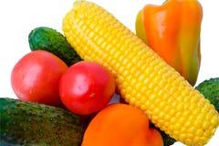Свежие овощи, томаты, огурцы, мозоль и перцы Стоковое Изображение RF