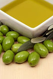 свежие оливки оливки масла Стоковые Изображения