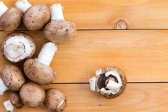 Свежие органические грибы bella младенца Стоковое Изображение RF
