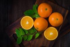 Свежие органические плодоовощи апельсинов Стоковое Изображение RF