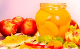 Свежие персики и варенье персика Стоковые Изображения
