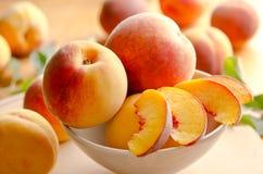 Свежие персики Стоковое фото RF