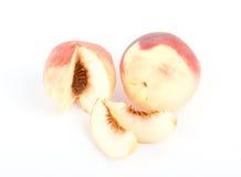 Свежие плодоовощи персика с отрезоком на белизне Стоковая Фотография RF
