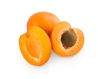 Свежие половины абрикоса изолированные на белой предпосылке Стоковое фото RF