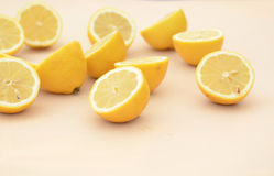 Свежие половины лимона отрезка Стоковое Фото