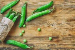 Свежие стручки сладостных зеленых горохов Стоковая Фотография RF