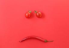 Свежие томаты вишни и оливки kalamata на здравице Стоковое Изображение