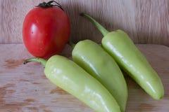 свежие томаты перцев Стоковые Изображения RF