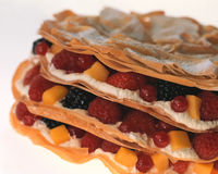 Свежие фрукты в печенье choux Стоковые Фото