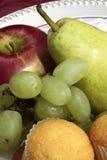 Свежие фрукты и булочки Стоковая Фотография
