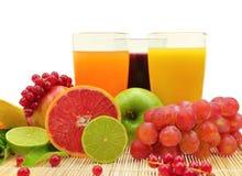 Свежие фрукты и 3 стекла Стоковая Фотография RF