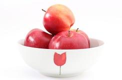 Свежие яблоки в шаре на белой предпосылке Стоковые Фото