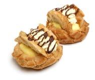 Свежие Cream плюшки печенья Choux на белизне Стоковое Изображение RF