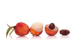 Свежие lychees изолированные на белой предпосылке Стоковая Фотография