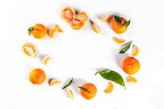 Свежие tangerines, с листьями Стоковые Изображения RF