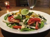 свежий греческий салат классицистическо Вегетарианский гурман стоковые изображения