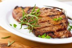 свежий зажженный свинина трав Стоковое Изображение