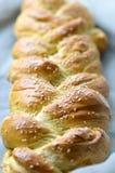 Свежий заплетенный хлеб Стоковое фото RF