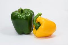 Свежий зеленый желтый болгарский перец на белой предпосылке Стоковая Фотография