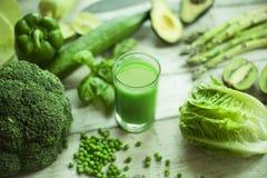 Свежий зеленый smoothie овощей Стоковые Фото