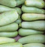 свежий зеленый zucchini Предпосылка цукини Стоковое фото RF