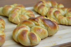 Свежий испеченный challah, заплетенный хлеб Стоковые Изображения