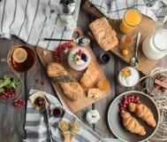 Свежий красный завтрак Стоковые Изображения