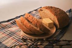 Свежий круглый хлеб с отрубями Стоковое Фото