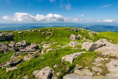Свежий ландшафт лета в горах стоковая фотография rf