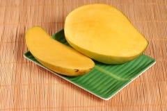 свежий ломтик мангоа Стоковые Изображения RF