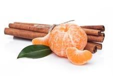 Свежий органический плодоовощ мандарина с сырцовым циннамоном Стоковые Изображения