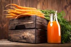 Свежий органический сок моркови Стоковые Изображения RF