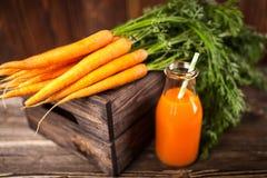Свежий органический сок моркови Стоковые Фото