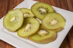 Свежий отрезанный авокадо, Стоковая Фотография RF
