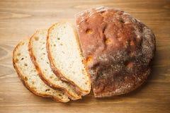 Свежий отрезанный хлеб Стоковые Фотографии RF