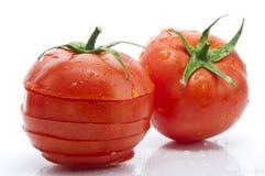 свежий польностью отрезанный томат стоковые фотографии rf