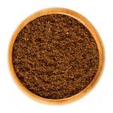 Свежий порошок кофе в деревянном шаре Стоковое фото RF