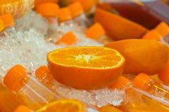свежий половинный зрелый апельсин для сока Стоковое Фото
