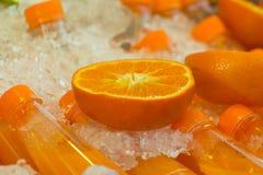 свежий половинный зрелый апельсин для сока Стоковая Фотография RF