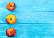 Свежий плоский персик Стоковая Фотография