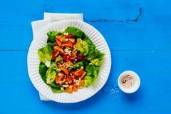свежий салат плиты Стоковая Фотография