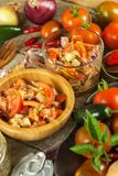 Свежий салат томата с тунцом и сыром еда диетпитания завтрак здоровый Стоковые Фото