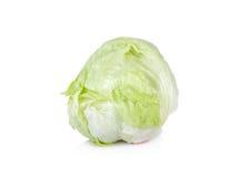Свежий салат Crisphead или салат айсберга на белой предпосылке Стоковые Фотографии RF