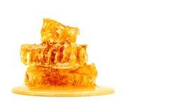 Свежий сот с медом на белой предпосылке Стоковое Фото