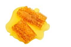 Свежий сот с медом на белой предпосылке Стоковое фото RF
