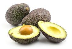 Свежий сырцовый авокадо изолированный на белизне Стоковое Изображение RF